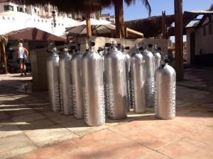 Unsere neuen Tanks mit Sunshine Divers Logo