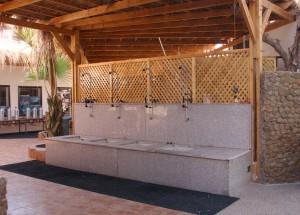 saubere Spülbecken fürs Tauchequipment